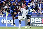 FC Internazionale Midfielder Geoffrey Kondogbia (L) fights for the ball with Chelsea Defender Antonio Rudiger (R) during the International Champions Cup 2017 match between FC Internazionale and Chelsea FC on July 29, 2017 in Singapore. Photo by Marcio Rodrigo Machado / Power Sport Images