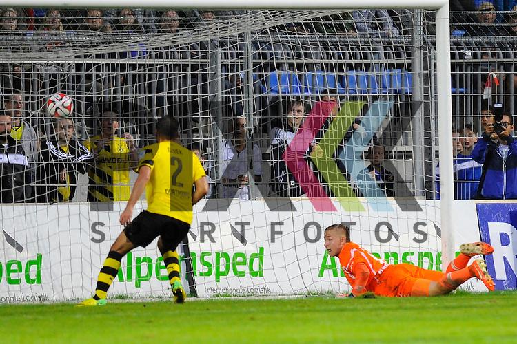Das 0:4 von Dortmunds Ufuk Oezbek im Spiel SV Waldhof Mannheim - Borussia Dortmund.<br /> <br /> Foto &copy; P-I-X.org *** Foto ist honorarpflichtig! *** Auf Anfrage in hoeherer Qualitaet/Aufloesung. Belegexemplar erbeten. Veroeffentlichung ausschliesslich fuer journalistisch-publizistische Zwecke. For editorial use only.