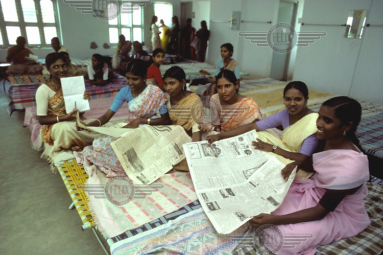 ©Penny Tweedie / Panos Pictures..Vijayawada, India. Health training project for women.