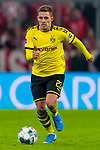 09.11.2019, Allianz Arena, Muenchen, GER, 1.FBL,  FC Bayern Muenchen vs. Borussia Dortmund, DFL regulations prohibit any use of photographs as image sequences and/or quasi-video, im Bild Thorgan Hazard (BVD #23) <br /> <br />  Foto © nordphoto / Straubmeier