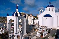 Friedhofskirche in  Exo Gonia, Insel Santorin (Santorini), Griechenland, Europa