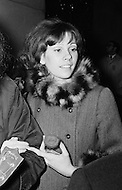 Manhattan, New York City, New York State, USA. Vicki Budinger, the fiancee of singer Tiny Tim, at a demonstration outside the Waldorf Astoria Hotel in New York City.