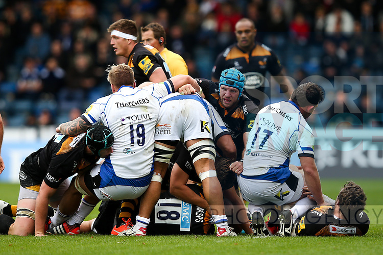 London Wasps' James Haskell, man of the match, makes himself a nuisance at the ruck - Rugby Union - 2014 / 2015 Aviva Premiership - Wasps vs. Bath - Adams Park Stadium - London - 11/10/2014 - Pic Charlie Forgham-Bailey/Sportimage