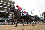 November 2, 2018: Jaywalk #7, heads to the first turn of the Tito's Handmade Vodka Juvenile Fillies on Breeders' Cup World Championship Friday at Churchill Downs on November 2, 2018 in Louisville, Kentucky. Alex Evers/Eclipse Sportswire/CSM