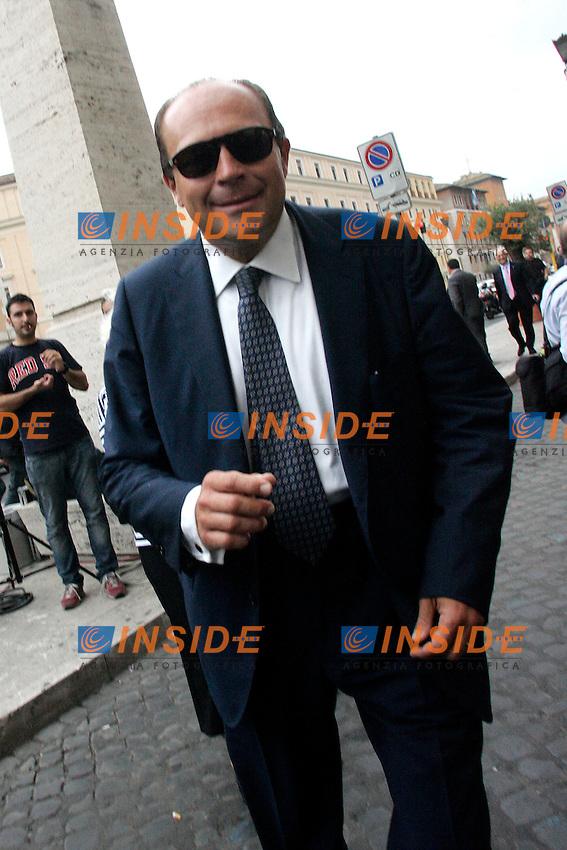 ALFONSO PAPA.Roma 01/07/2011 Consiglio Nazionale del PDL..Photo Samantha Zucchi Insidefoto