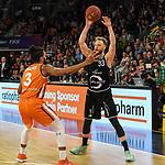 12.05.2019, ratiopharm arena, Neu-Ulm, GER, BBL, ratiopharm ulm vs RASTA Vechta, <br /> im Bild Dwayne Evans (Ulm, #3), Robin Christen (Vechta, #33)<br /> <br /> Foto &copy; nordphoto / Hafner