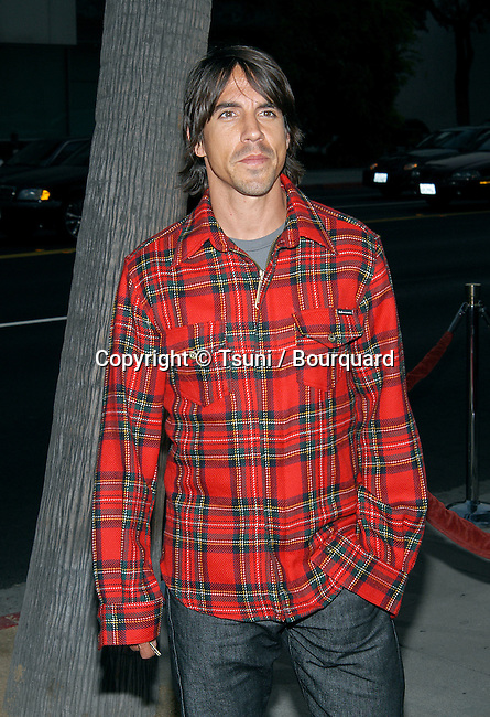 """Anthony Kiedis (Red Hot Chili Pepper) arriving at the premiere of """"One Hour Photo"""" at the Academy of Motion Picture Arts and Sciences in Los Angeles. August 22, 2002.           -            KiediesAnthony_RedHotChP01.jpg"""