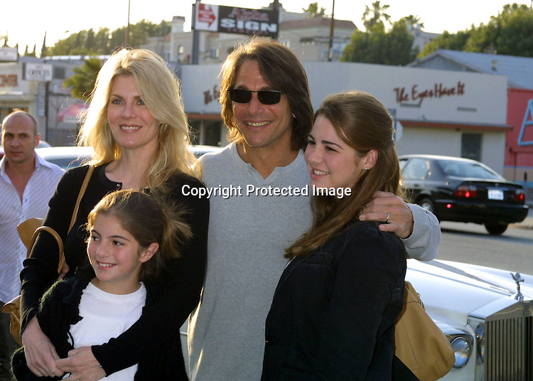 "©2003 KATHY HUTCHINS / HUTCHINS PHOTO.OPENING OF THE CLOTHING BOUTIQUE OWNED BY.LISA RINNA ..""BELLE GRAY"".13812 VENTURA BLVE.SHERMAN OAKS,CA..TONY DANZA AND FAMILY"