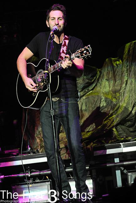 Josh Kelley performs live at the Ervin J. Nutter Center in Dayton, Ohio on October 9, 2010.