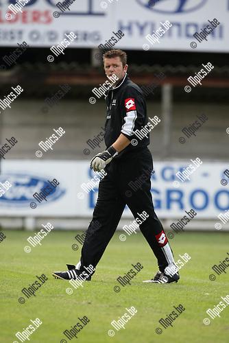 2009-07-19 / voetbal / seizoen 2009-2010 / Heikant / Eric Van Hoek..Foto: Maarten Straetemans (SMB)