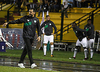 FLORIDABLANCA - COLOMBIA - 28 - 04 - 2016: Mario A Yepes, tecnico de Deportivo Cali, durante partido entre Atletico Bucaramanga y Deportivo Cali, por la fecha 15 de la Liga Aguila I-2016, jugado en el estadio Alvaro Gomez Hurtado de la ciudad de Floridablanca. / Mario A Yepes, coach of Deportivo Cali, during a match between Atletico Bucaramanga and Deportivo Cali, for the date 15 of the Liga Aguila I-2016 at the Alvaro Gomez Hurtado Stadium in Floridablanca city Photo: VizzorImage  / Duncan Bustamante / Cont.