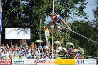 FIERLJEPPEN: GRIJPSKERK: 27-08-2016, Nederlands Kampioenschap Fierljeppen/Polsstokverspringen, Reinier Overbeek wint met 17.95 meter, ©foto Martin de Jong