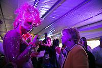 SAO PAULO, SP, 02 JUNHO 2013 - PARADA DO ORGULHO GLBT - A ministra da Cultura Marta Suplicy  durante a 17 Parada do Orgulho LGBT na Avenida Paulista, na tarde deste domingo, 02. (FOTO: ADRIANA SPACA/ BRAZIL PHOTO PRESS).