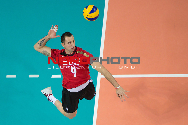 10.05.2012, Armeec Arena, Sofia, BUL, Olympiaqualifikation Volleyball, Vorrunde, Deutschland (GER) vs. Italien (ITA), im Bild Georg Grozer (#9 GER / Belgorod RUS) // during the 2012 Olympic Games European Qualification at Armeec Arena, Sofia, BUL, Germany (GER) vs. Italy (ITA), 2012-05-10. Foto © nph / Kurth *** Local Caption ***