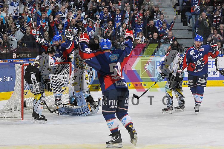 Torjubel zum 5:0 von Mannheims Jochen Hecht (Nr.55), Mannheims Jason Pominville (Nr.50) und rechts der Torschuetze Mannheims Mike Glumac (Nr.16) gegen Krefelds Herberts Vasiljevs (Nr.23), Krefelds Scott Langkow (Nr.37) und Krefelds Dusan Milo (Nr.11) beim Spiel in der DEL, Adler Mannheim - Krefeld Pinguine.<br /> <br /> Foto &copy; Ice-Hockey-Picture-24 *** Foto ist honorarpflichtig! *** Auf Anfrage in hoeherer Qualitaet/Aufloesung. Belegexemplar erbeten. Veroeffentlichung ausschliesslich fuer journalistisch-publizistische Zwecke. For editorial use only.
