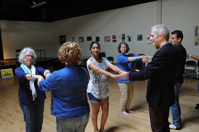 El Sueno Existe Festival<br /> Machynlleth<br /> Wales<br /> Love Latin Dance Workshop<br /> Led by Jane Hoy and Fran Jackson.