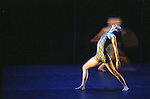 BIPED....Choregraphie : CUNNINGHAM Merce..Compagnie : ..Decor : ..Lumiere : ..Costumes : ..Avec :....Lieu : Théâtre de la Ville..Ville : Paris..Le : Nov 1999..© Laurent PAILLIER / photosdedanse.com..All rights reserved