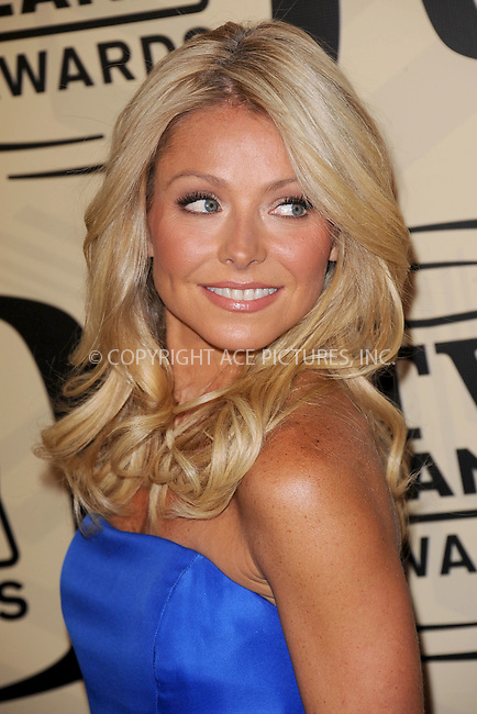 WWW.ACEPIXS.COM . . . . . .April 14, 2012...New York City....Kelly Ripa arriving to the 10th Annual TV Land Awards at the Lexington Avenue Armory on April 14, 2012 in New York City ....Please byline: KRISTIN CALLAHAN - ACEPIXS.COM.. . . . . . ..Ace Pictures, Inc: ..tel: (212) 243 8787 or (646) 769 0430..e-mail: info@acepixs.com..web: http://www.acepixs.com .