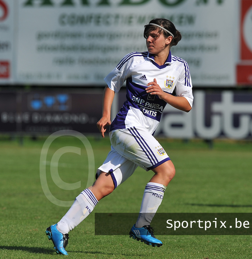 RSC Anderlecht Dames : Annelies Van Loock.foto DAVID CATRY / Vrouwenteam.be