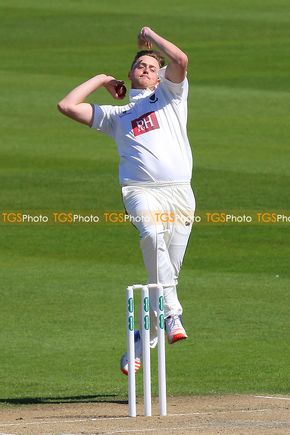 Oliver Robinson in bowling action for Sussex during Sussex CCC vs Essex CCC, Specsavers County Championship Division 2 Cricket at The 1st Central County Ground on 18th April 2016