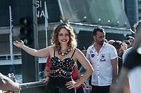 SÃO PAULO,SP, 18.06.2017 - PARADA-SP - A atriz Leandra Leal, durante a 21º Parada do orgulho LGBT na avenida Paulista em São Paulo neste domingo, 18. (Foto: Rogério Gomes/Brazil Photo Press)