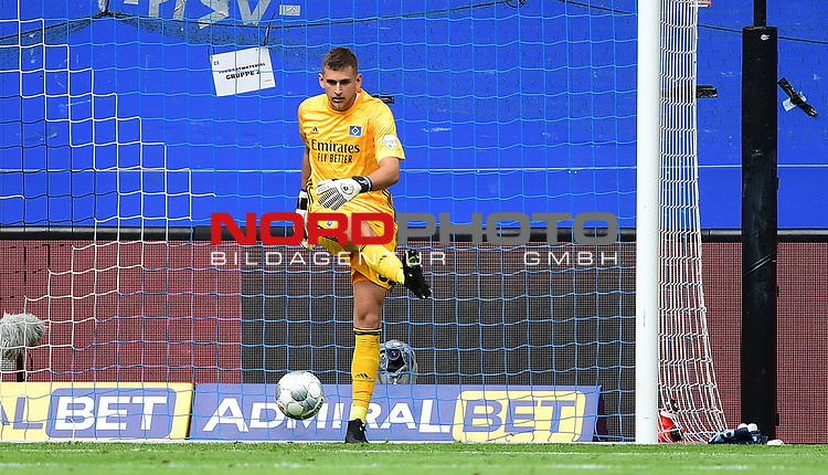 Torwart Julian Pollersbeck (HSV)<br />Hamburg, 28.06.2020, Fussball 2. Bundesliga, Hamburger SV - SV Sandhausen<br />Foto: VWitters/Witters/Pool//via nordphoto<br /> DFL REGULATIONS PROHIBIT ANY USE OF PHOTOGRAPHS AS IMAGE SEQUENCES AND OR QUASI VIDEO<br />EDITORIAL USE ONLY<br />NATIONAL AND INTERNATIONAL NEWS AGENCIES OUT