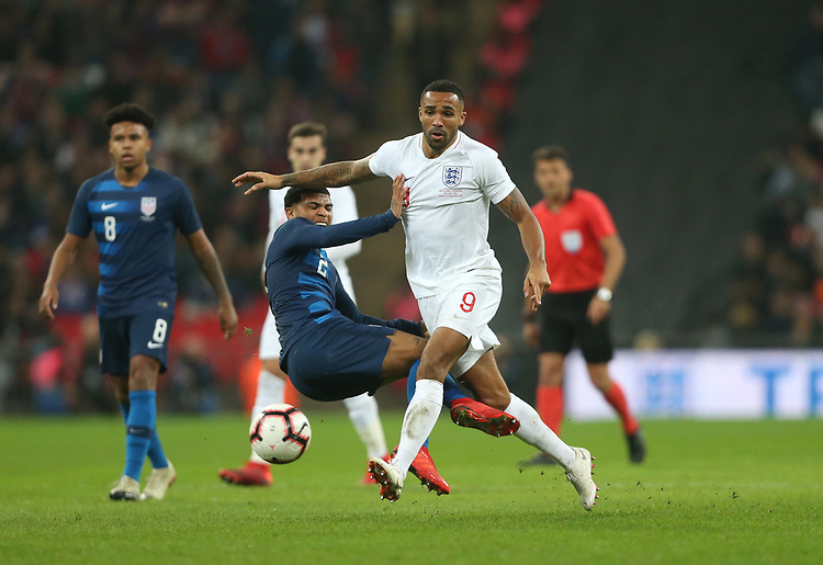 England's Callum Wilson and United States' DeAndre Yedlin<br /> <br /> Photographer Rob Newell/CameraSport<br /> <br /> The Wayne Rooney Foundation International - England v United States - Thursday 15th November 2018 - Wembley Stadium - London<br /> <br /> World Copyright © 2018 CameraSport. All rights reserved. 43 Linden Ave. Countesthorpe. Leicester. England. LE8 5PG - Tel: +44 (0) 116 277 4147 - admin@camerasport.com - www.camerasport.com