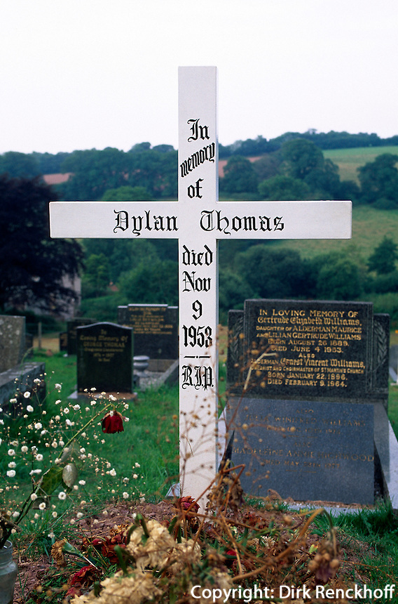 Großbritannien, Wales, Laugharne, Grab von Dylan Thomas.tomb Dylan Thomas