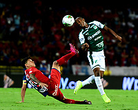 MEDELLÍN-COLOMBIA, 06-11-2019: Germán Ezequiel Cano de Deportivo Independiente Medellín y Andrés Felipe Balanta de Deportivo Cali disputan el balón, durante partido de vuelta entre Deportivo Independiente Medellín y Deportivo Cali, por la final de la Copa Águila 2019, en el estadio Atanasio Girardot de la ciudad de Medellín. / German Ezequiel Cano of Deportivo Independiente Medellin and Andres Felipe Balanta of Deportivo Cali, fight for the ball during a match of the second leg between Deportivo Independiente Medellin and Deportivo Cali, for the final of the Aguila Cup 2019 at the Atanasio Girardot stadium in Medellin city. / Photo: VizzorImage  / Nelson Ríos / Cont.