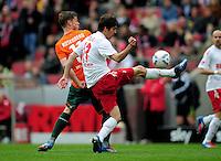 FUSSBALL   1. BUNDESLIGA   SAISON 2011/2012   29. SPIELTAG 1. FC Koeln - SV Werder Bremen                           07.04.2012 Markus Rosenberg (li, SV Werder Bremen) gegen Henrique Sereno (re, 1. FC Koeln)