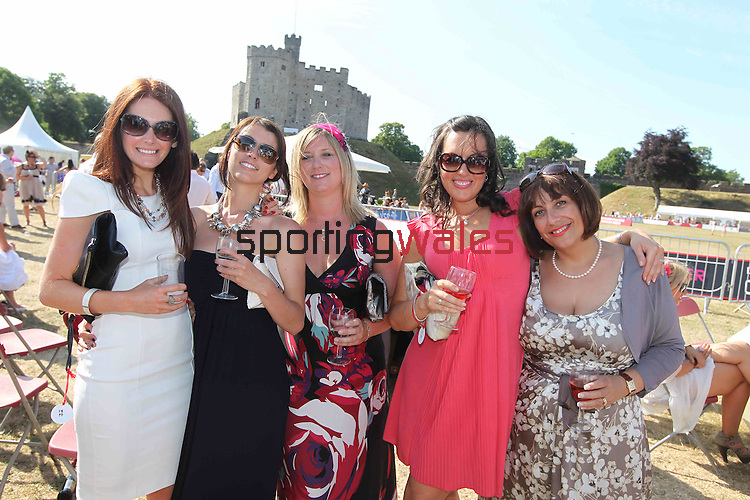 Polo in the Castle.L-R: Lyndsey Jenkins, Aimee Bateman, Sarah Boyd, Holly Gretton and Wendy Giles..27.06.10.©Steve Pope