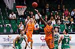 S&ouml;dert&auml;lje 2014-10-01 Basket Basketligan S&ouml;dert&auml;lje Kings - Norrk&ouml;ping Dolphins :  <br /> Norrk&ouml;ping Dolphins Mangisto Arop p&aring; v&auml;g att g&ouml;ra po&auml;ng i matchen mot S&ouml;dert&auml;lje Kings <br /> (Foto: Kenta J&ouml;nsson) Nyckelord:  S&ouml;dert&auml;lje Kings SBBK T&auml;ljehallen Norrk&ouml;ping Dolphins