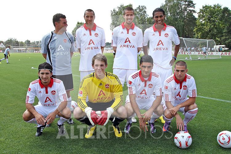 03.07.2010, Trainingsgelände, Nuernberg, GER, 1. FBL, Training 1. FC Nürnberg, im Bild Aufstellung der Neuzugaenge, hintere Reihe v. l. Trainer Dieter Hecking (FCN), Julian Schieber (#23), Per Nilsson (#3), Rubin Okotie (#29) vordere Reihe v. l. Almog Cohen (#18), Torwart Daniel Bratz (#32), Mehmet Ekici (#37), Robert Mak (#14) Foto © nph / Becher