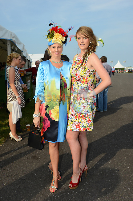 Mum and daughter Odilla and Caroline Moynihan at Bellewstown Races Ladies Day. Photo: Andy Spearman. www.newsfile.ie