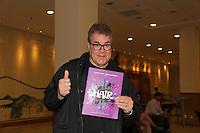 SAO PAULO, SP 16 DE JANEIRO 2012. ESPETÁCULO HAIR-SP. O ator Claudio Cury, na exibicao para convidados da peca Hair, no teatro do shopping Frei Caneca, na regiao central de SP, na noite desta segunda-feira, 16. FOTO MILENE CARDOSO - NEWS FREE