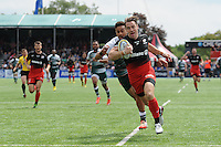 Chris Wyles of Saracens scores his second try of the afternoon during the Aviva Premiership semi final match between Saracens and Leicester Tigers at Allianz Park on Saturday 21st May 2016 (Photo: Rob Munro/Stewart Communications)