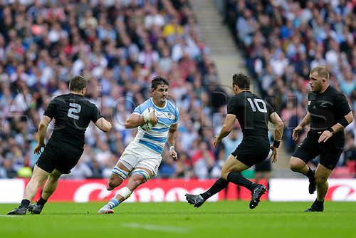 20.09.2015. London, England. Rugby World Cup. New Zealand versus Argentina.  Argentina flanker Pablo Matera on the charge