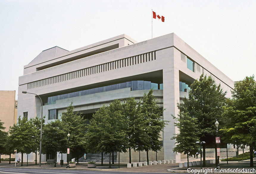 Washington D.C. : Canadian Embassy, 501 Pennsylvania Ave., 1988. Arthur Erickson. See ARCHITECTURAL RECORD, Mar. '90. Photo '91.