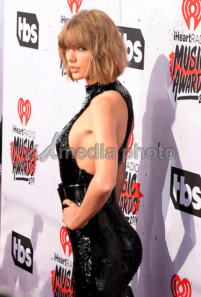 03 April 2016 - Inglewood, California - Taylor Swift. iHeartRadio Music Awards held at The Forum. Photo Credit: Koi Sojer/AdMedia