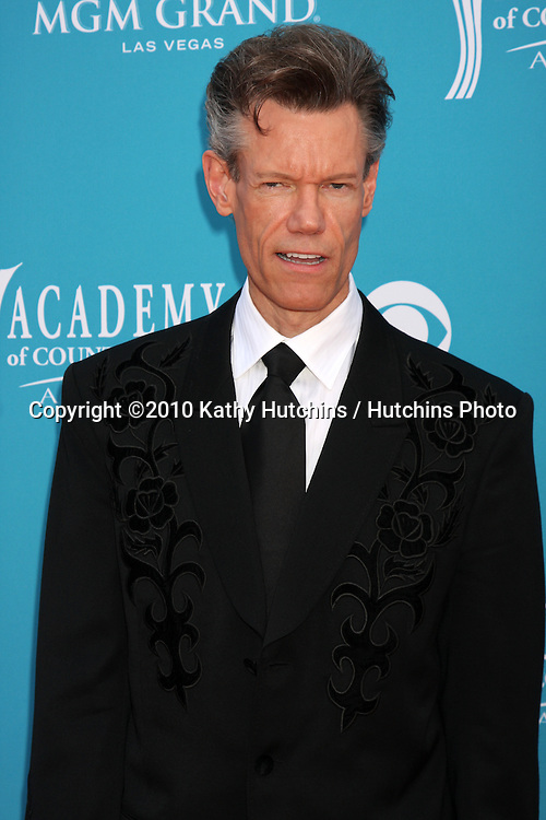 Randy Travis.arrives at the Academy of Country Music Awards 2010.MGM Garden Arena.Las Vegas, NV.April 18, 2010.©2010 Kathy Hutchins / Hutchins Photo....