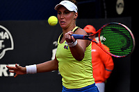 BOGOTÁ-COLOMBIA, 08-04-2019: Beatriz Haddad de Brasil, devuelve la bola a Laura Siegemund de Alemania, durante partido por el Claro Colsanitas WTA, que se realiza en el Carmel Club en la ciudad de Bogotá. / Beatriz Haddad from Switzerland, returns the ball Maria Camila Osorio from Colombia, during a match for the WTA Claro Colsanitas, which takes place at Carmel Club in Bogota city. / Photo: VizzorImage / Luis Ramírez / Staff.