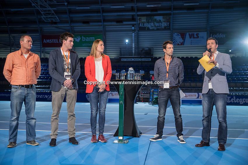 Rotterdam, Netherlands, December 16,  2016, Topsportcentrum,  Coaches Congress , Tennis coach of the year, anouncement<br /> Photo: Tennisimages/Henk Koster