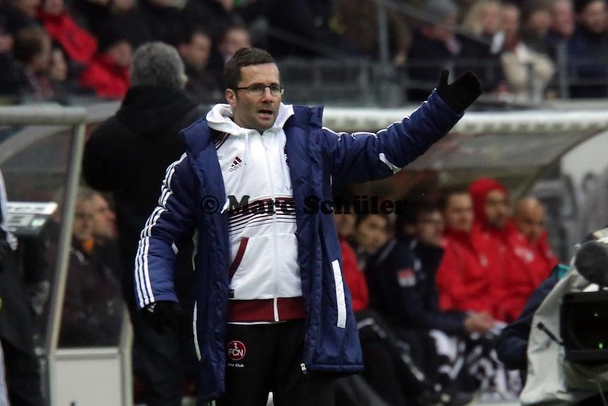 Trainer Michael Wiesinger (Nuernberg) regt sich auf