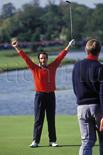 15 September 1997: European player SAM TORRANCE celebrates holing his putt on the 18th Green to win the cup for Europe in the Ryder Cup played at The Belfry, England Photo: Leo Mason/Action Plus...golf joy celebrate celebration celebrations golfer golfers matchplay 850915