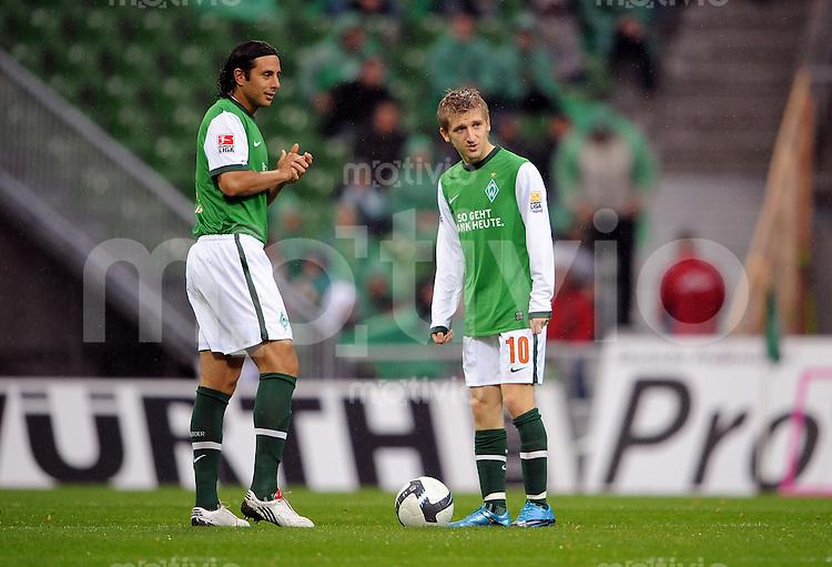 FUSSBALL  1. BUNDESLIGA   SAISON 2009/2010   9. SPIELTAG SV Werder Bremen - TSG 1899 Hoffenheim           17.10.2009 Claudio PIZARRO (li) und Marko MARIN (re, beide SV Werder Bremen)