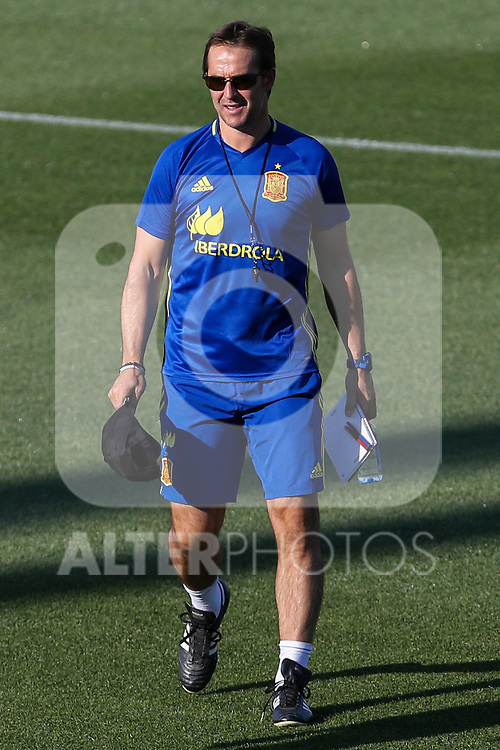Spanish coach Julen Lopetegi durign the first training of the concentration of Spanish football team at Ciudad del Futbol de Las Rozas before the qualifying for the Russia world cup in 2017 August 29, 2016. (ALTERPHOTOS/Rodrigo Jimenez)