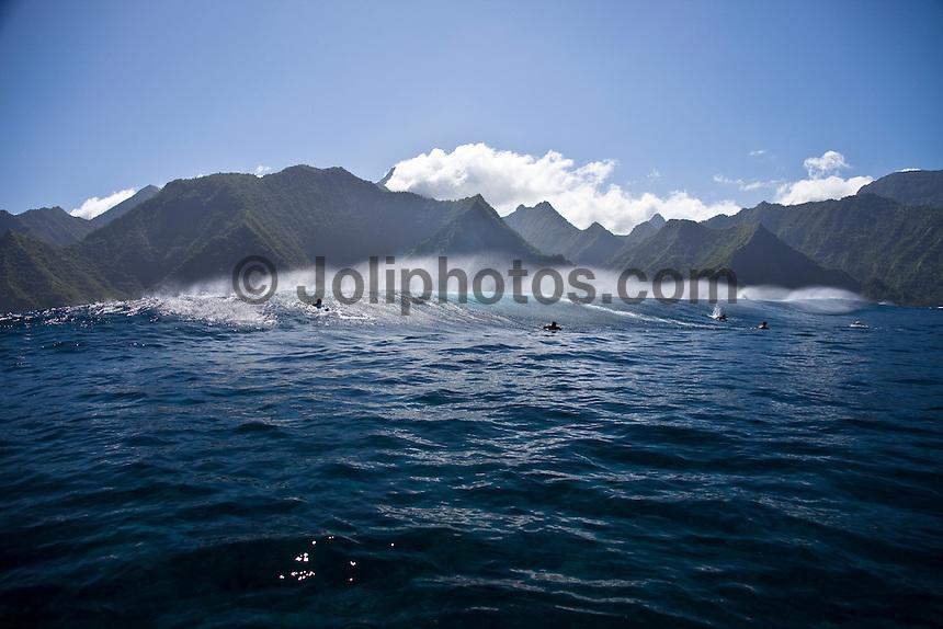 Reef Pass near Teahupoo, Tahiti, (Friday May 15 2009.) Photo: joliphotos.com