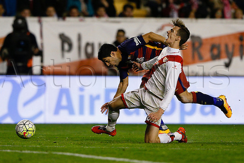 03.03.2016. Madrid, Spain.  Diego Javier Llorente Rios (27) Rayo Vallecano and Luis Alberto Suarez Diaz (9) FC Barcelona. La Liga match between Rayo Vallecano and FC Barcelona at the Vallecas stadium in Madrid, Spain