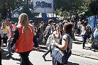 SÃO PAULO,SP,27.03.2014 - SIMULAÇÃO INCENDIO FACULDADE SÃO JUDAS  - SP  - Simulação de abandono em caso de incêndio é realizada na manhã dessa quinta-feira (27), na faculdade São Judas Tadeu, na Rua Taquari, Mooca, Zona Leste de São Paulo (SP).(Foto Ale Vianna/Brazil Photo Press).
