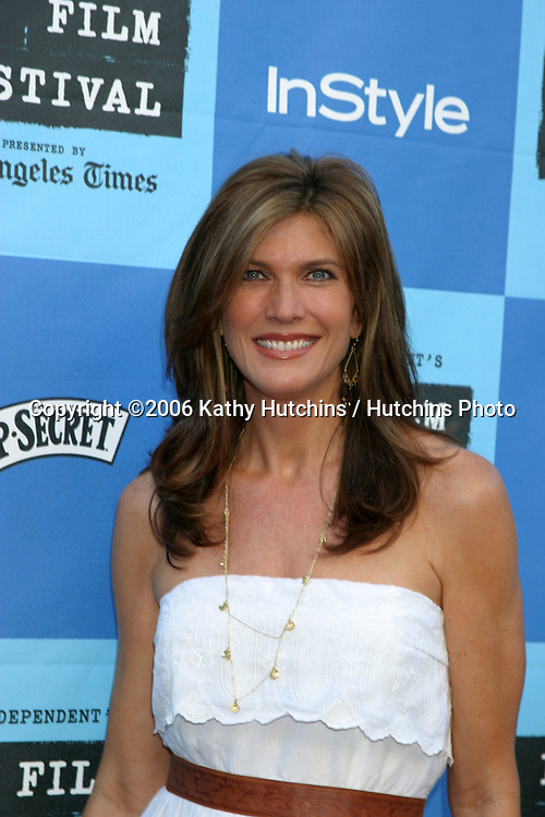 "Julie Moran.""Little Miss Sunshine"" Premiere.Wadsworth Theater.Westwood, CA.July 2, 2006.©2006 Kathy Hutchins / Hutchins Photo...."